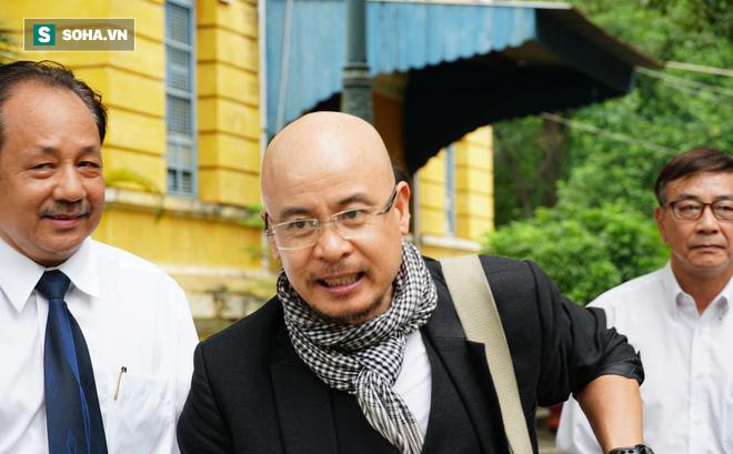 Ông Đặng Lê Nguyên Vũ bất ngờ thắng kiện vợ, đòi lại con dấu công ty - Ảnh 2.