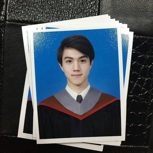 Lộ ảnh thẻ điển trai, tiếp viên hàng không Thái Lan bị fan Việt hỏi bằng được info - Ảnh 1.