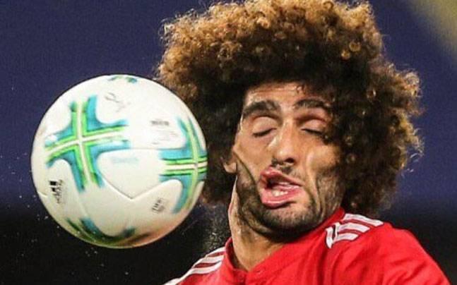 Mái tóc xù nổi tiếng và giàu tính giải trí nhất làng bóng đá chính thức biến mất - Ảnh 5.