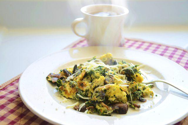 Ăn hơn một quả trứng mỗi ngày có hại gì cho sức khỏe không?