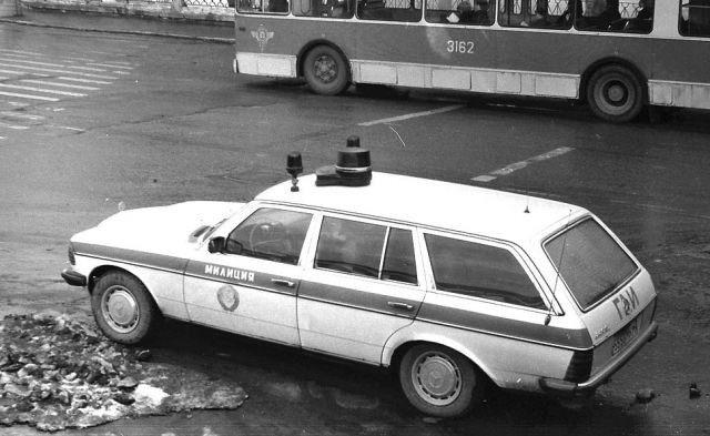Tại sao cảnh sát Liên Xô được cấp xe Porsche, Mercedes, BMW để làm nhiệm vụ? - Ảnh 11.