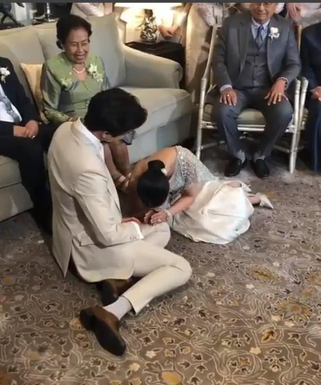 Đám cưới cặp quyền lực nhất Tbiz Push Puttichai và Jooy: Hôn lễ truyền thống siêu sang, dàn phù dâu phù rể khủng - Ảnh 15.