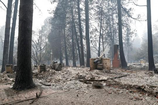 Cháy rừng California: Hơn 600 người mất tích, tăng gấp đôi chỉ sau 1 đêm - Ảnh 2.