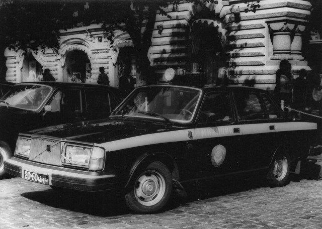 Tại sao cảnh sát Liên Xô được cấp xe Porsche, Mercedes, BMW để làm nhiệm vụ? - Ảnh 5.
