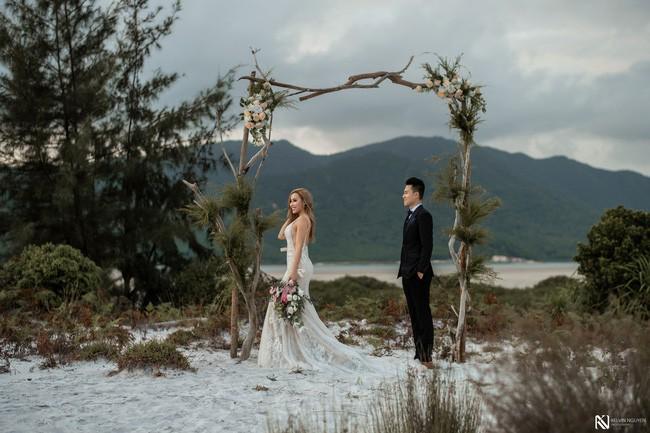 Lại thêm một bộ ảnh cưới khá sốc, cô dâu có thân hình bốc lửa táo bạo khoe vòng 3 nóng bỏng - Ảnh 8.