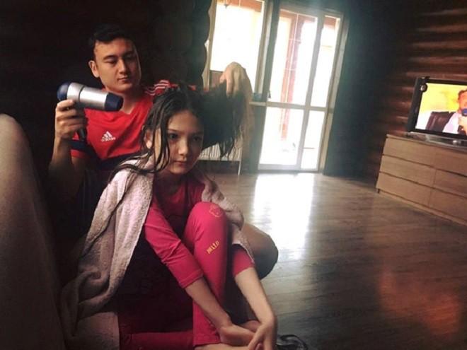 Phát sốt với em trai đẹp như diễn viên, em gái mang nét thiên thần của thủ môn Đặng Văn Lâm - Ảnh 8.