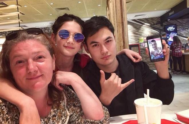 Phát sốt với em trai đẹp như diễn viên, em gái mang nét thiên thần của thủ môn Đặng Văn Lâm - Ảnh 9.