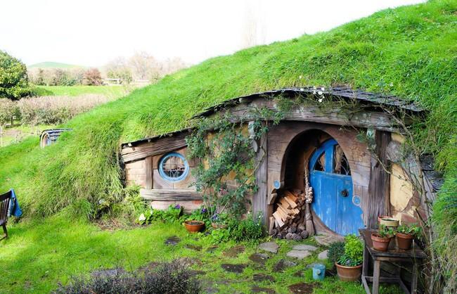 Ngôi làng độc đáo khi toàn bộ các nhà trong làng được xây dựa trên ý tưởng về ngôi nhà của người lùn Hobbit - Ảnh 5.