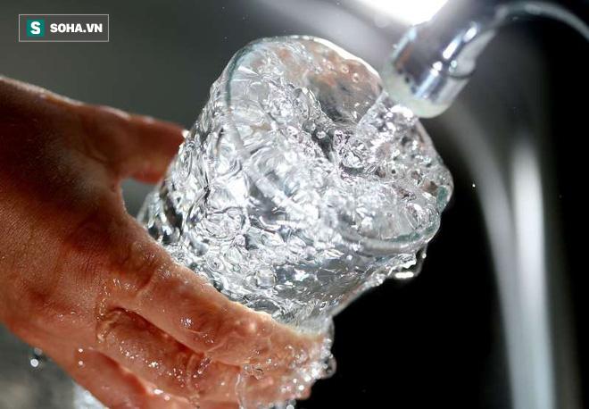 Dành cho người mất ngủ, ngủ ít: Hãy uống thêm nước và chờ đợi điều kỳ diệu - Ảnh 1.