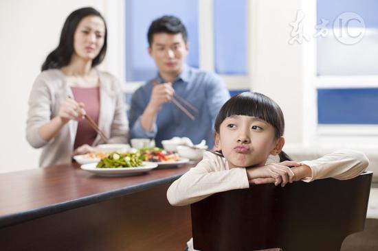 8 việc tuyệt đối không được làm sau bữa ăn kẻo ảnh hưởng đến sức khoẻ - Ảnh 1.