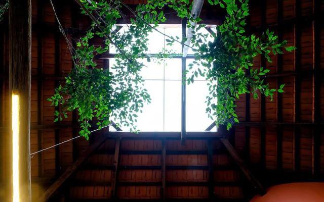 Ngôi nhà ngói ấm cúng như ngôi nhà nhỏ trên thảo nguyên của cặp vợ chồng giáo viên ở Lâm Đồng - Ảnh 13.