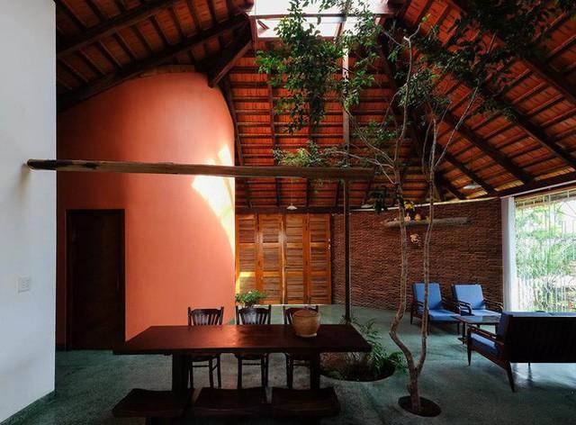 Ngôi nhà ngói ấm cúng như ngôi nhà nhỏ trên thảo nguyên của cặp vợ chồng giáo viên ở Lâm Đồng - Ảnh 7.