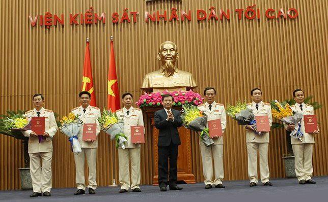 Công bố quyết định của Chủ tịch nước về công tác cán bộ - Ảnh 2.