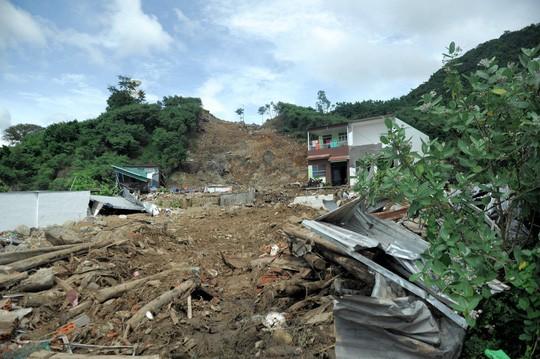 Cận cảnh những dự án treo cái chết trên đầu dân ở Nha Trang - Ảnh 22.