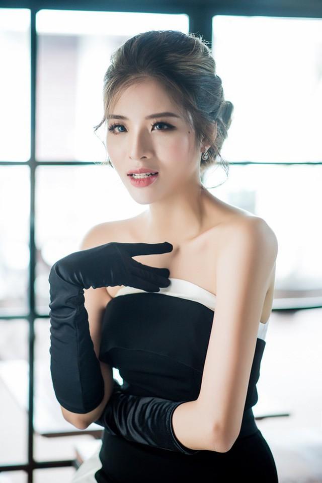 Trang phục bánh mì của HH HHen Niê: Ẩm thực đường phố Việt cần được truyền thông - Ảnh 8.