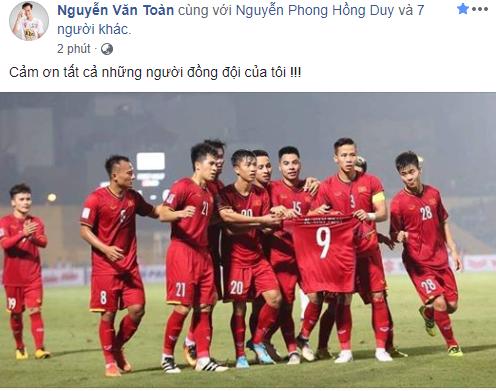 Sao tuyển Việt Nam thi nhau an ủi Văn Toàn - Ảnh 1.