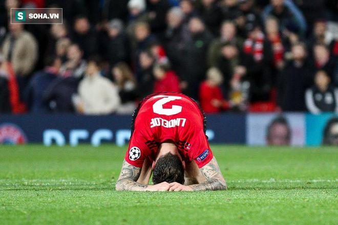Trên Old Trafford, giờ chỉ còn lại một Man United đầy xấu xí và mỏi mệt - Ảnh 1.