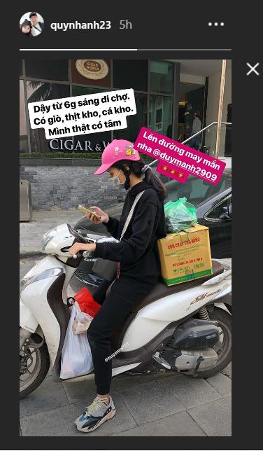 Em vợ Văn Quyết dậy sớm mua đồ cho nam vương AFF Cup 2018 - Ảnh 1.