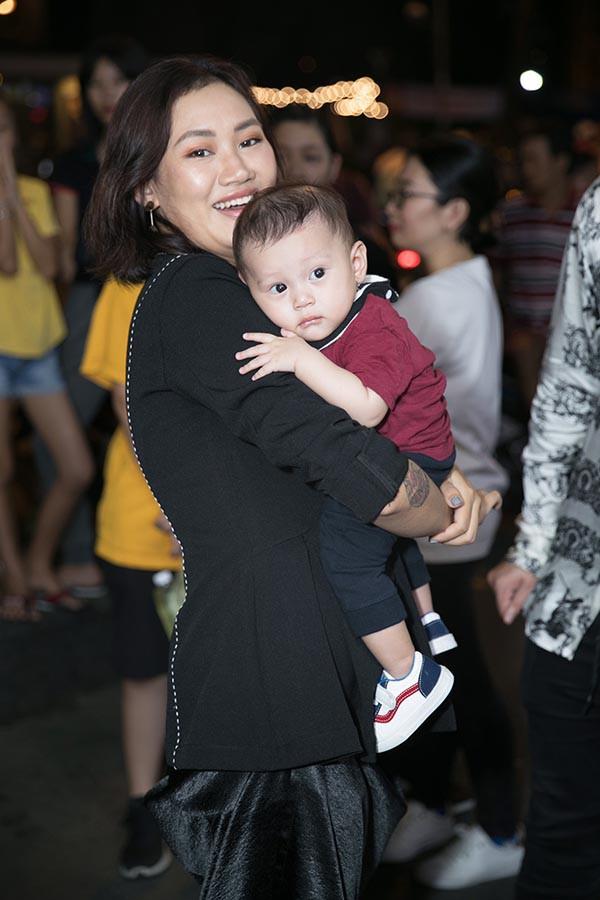Diệp Lâm Anh khoe vóc dáng thon gọn sau 1 tháng sinh con đầu lòng - Ảnh 11.