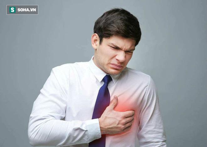 Khi có sự thay đổi này xảy ra ở ngực: 90% khả năng bạn đã bị xơ gan, hãy nhanh đi khám - Ảnh 1.