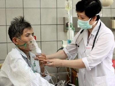 6 đối tượng có nguy cơ mắc bệnh phổi tắc nghẽn mạn tính cần đi khám sớm - Ảnh 1.