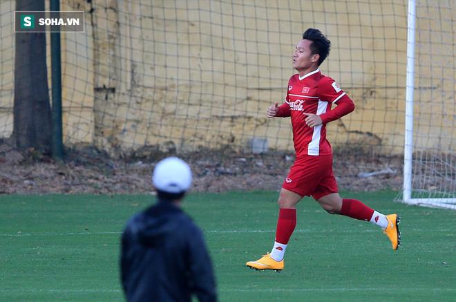 HLV Lê Thụy Hải: Giả sử ông Park có là HLV kém thì tôi vẫn ủng hộ danh sách 23 cầu thủ VN - Ảnh 1.