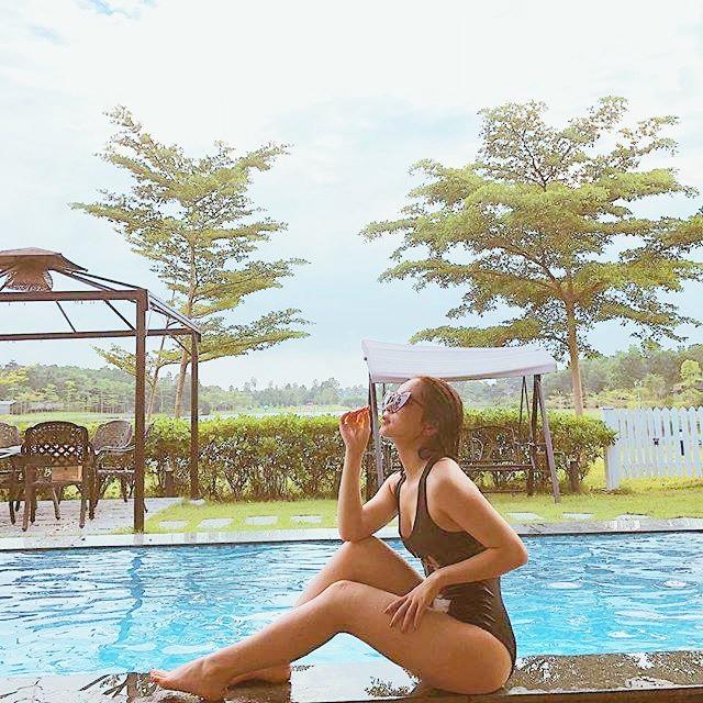 Bạn gái Quang Hải mặc bikini, nóng bỏng như Angela Phương Trinh - Ảnh 3.