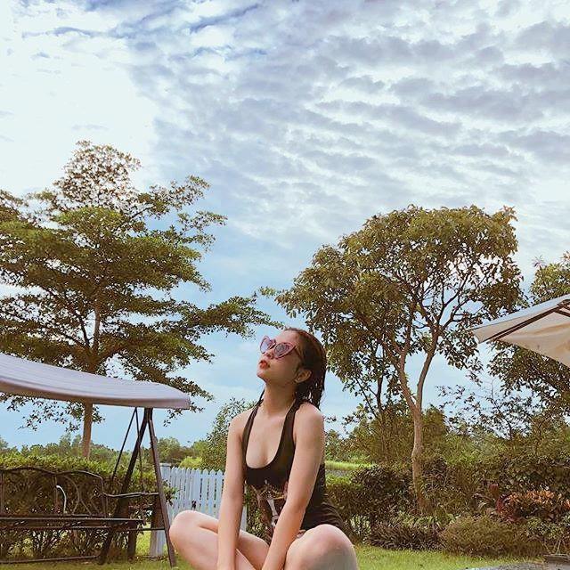 Bạn gái Quang Hải mặc bikini, nóng bỏng như Angela Phương Trinh - Ảnh 5.