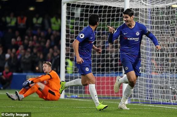 Chèn ép đến ngột thở Crystal Palace, Chelsea quyết không buông Man City - Ảnh 3.