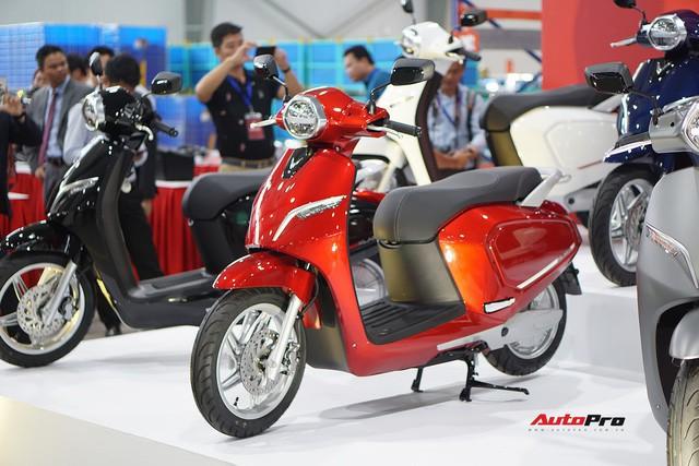 Muốn quản vợ con, hãy mua cho họ xe máy điện thông minh VinFast Klara ngay đi! - Ảnh 1.