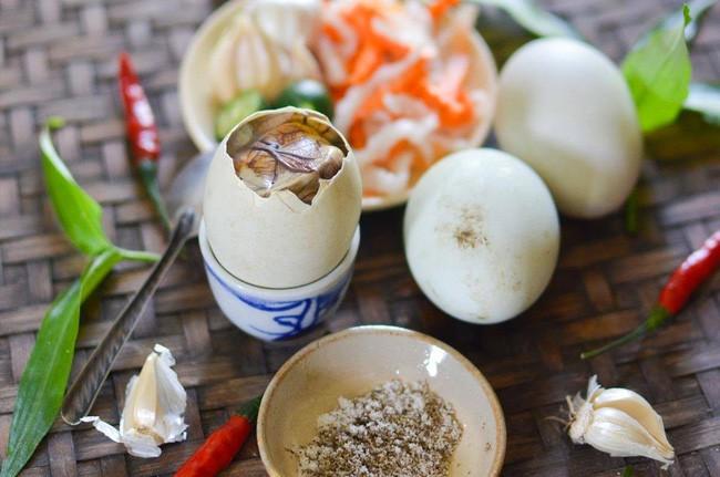 4 món ăn cực quen thuộc của Việt Nam bất ngờ xuất hiện trong bảo tàng những món ăn kinh dị tại châu Âu - Ảnh 2.