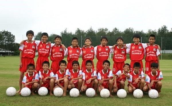 Việt Nam vô địch AFF Cup 2008: Duy Mạnh nhặt bóng ở sân Mỹ Đình, Quang Hải thần tượng Công Vinh - Ảnh 3.