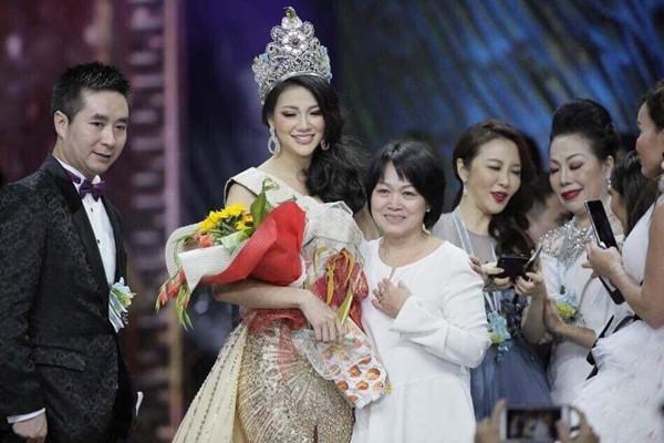 Bất ngờ với thân thế thật sự của tân Hoa hậu Trái đất Nguyễn Phương Khánh - Ảnh 4.