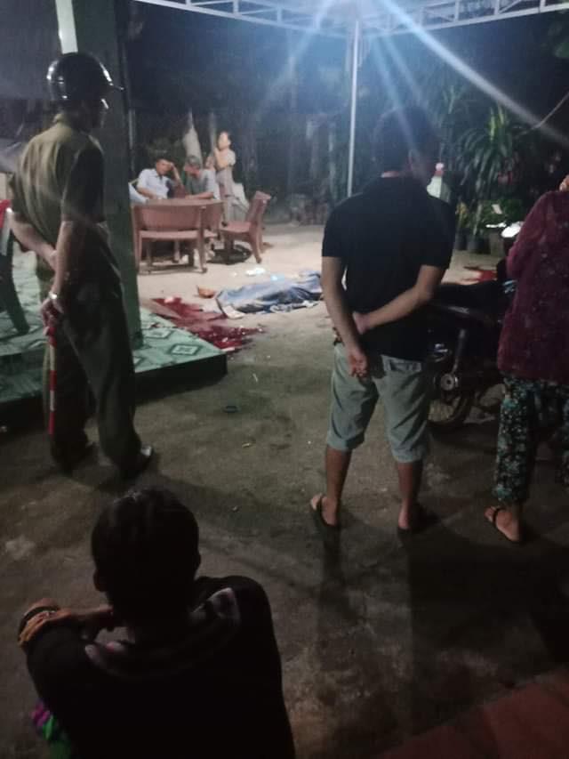 Thông tin mới nhất vụ chồng giết vợ và em trai rồi dùng dao tự sát ở Sài Gòn - Ảnh 1.