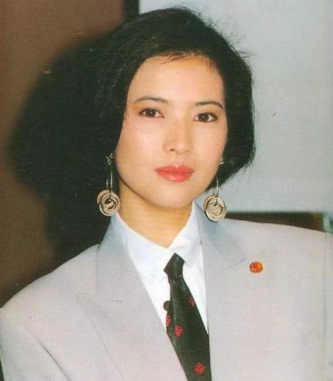 20 năm điên dại, đến lúc chết Lam Khiết Anh vẫn giữ ảnh của người này trong ví  - Ảnh 1.