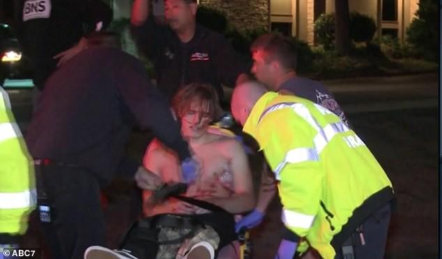 [NÓNG] Xả súng ở California khiến nhiều người thương vong: Vẫn chưa bắt được nghi phạm - Ảnh 5.