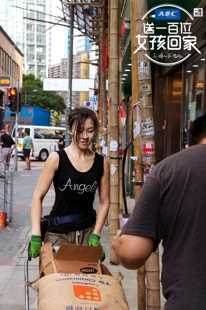 Cô gái Hongkong mình hạc xương mai 10 năm làm nghề bốc vác - ảnh 1