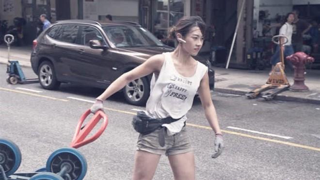 Cô gái Hongkong mình hạc xương mai 10 năm làm nghề bốc vác - ảnh 3