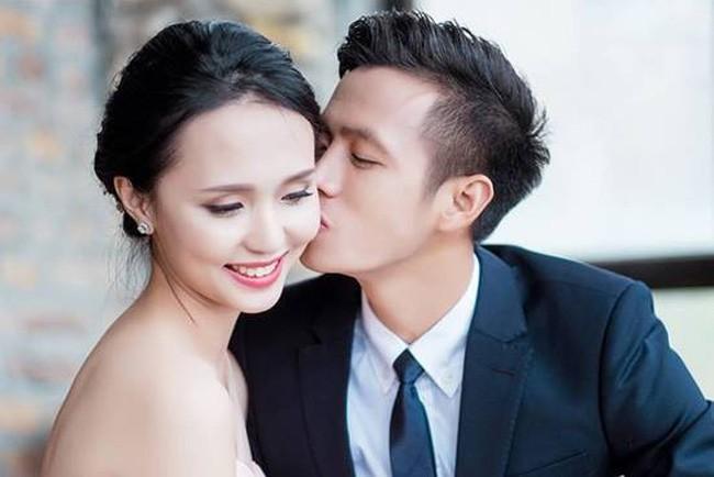 Chuyện tình đặc biệt của cặp chị em xinh đẹp yêu hai chàng hot boy tuyển Việt Nam - Ảnh 4.