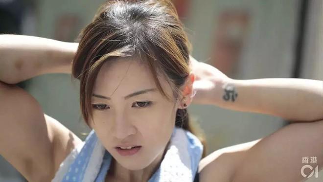 Cô gái Hongkong mình hạc xương mai 10 năm làm nghề bốc vác - ảnh 4