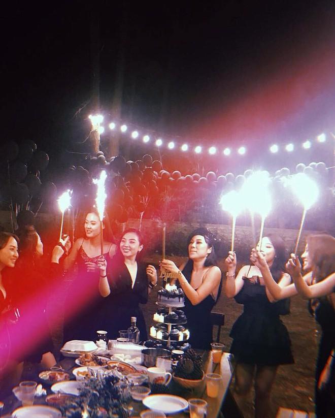 Hội bạn thân 10 năm rủ nhau diện bikini, khoe body nóng bỏng đốt cả Instagram - Ảnh 8.