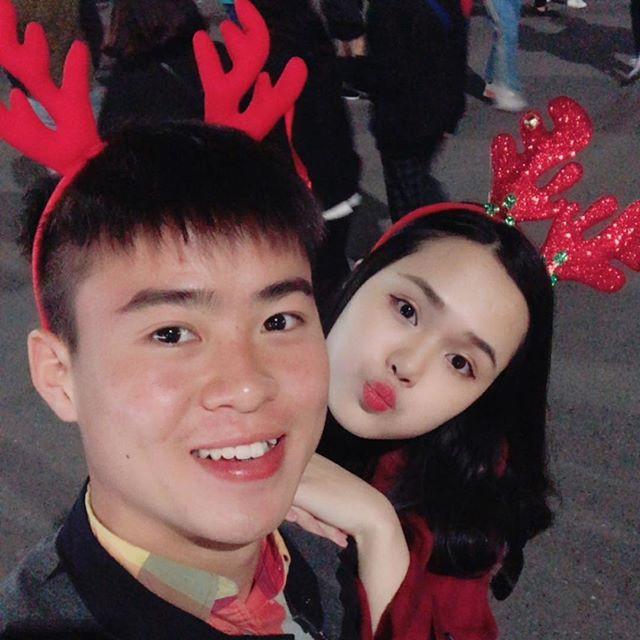 Chuyện tình đặc biệt của cặp chị em xinh đẹp yêu hai chàng hot boy tuyển Việt Nam - Ảnh 9.