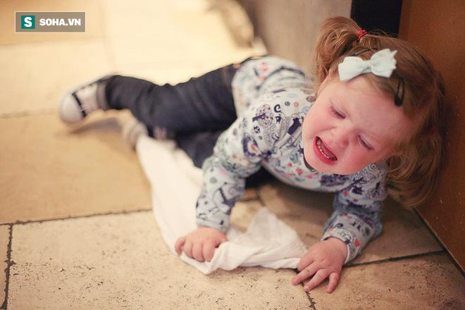 5 việc bố mẹ cần phải bỏ ngay nếu không muốn hại con, việc số 1 nhiều người đang mắc phải - Ảnh 1.