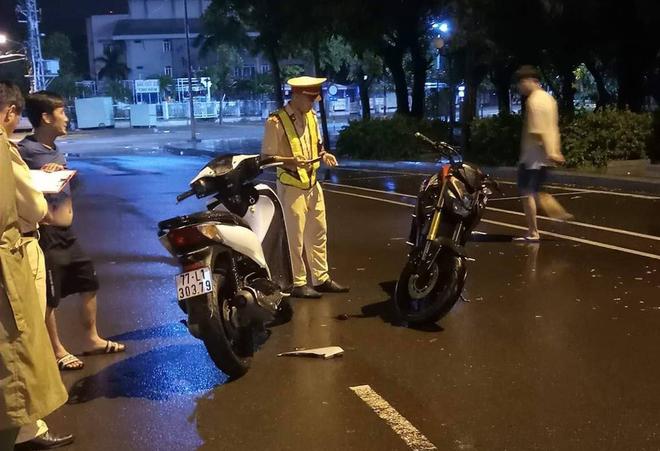 Vụ CSGT ngã khi làm việc với dân, CATP Quy Nhơn: Không phải tự ngã, do bị húc cùi chỏ - ảnh 2