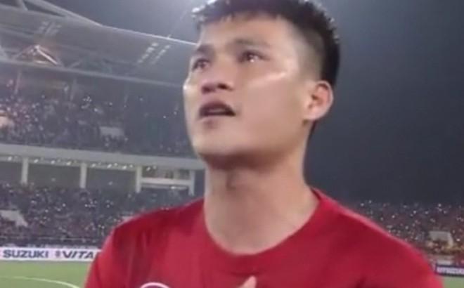 Sao Indonesia tái hiện hình ảnh xúc động của Công Vinh khi khóc như mưa trong lúc hát Quốc ca - Ảnh 3.