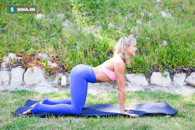 Những tư thế yoga làm tăng ham muốn và độ sung mãn trong chuyện ấy - Ảnh 1.