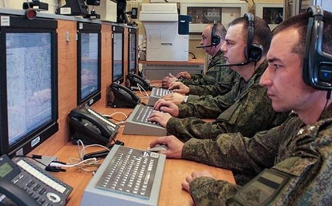 Triển khai vũ khí làm tê liệt hệ thống điều khiển NATO: Nga cắm dao nhọn vào lòng châu Âu - Ảnh 1.