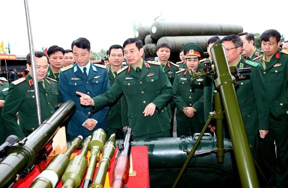 Bất ngờ: Việt Nam đã sản xuất được tên lửa S-300 nghi trang... y như thật - Ảnh 3.