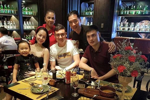 Chị họ Lâm Tây: Là mỹ nhân đình đám, thường được thủ môn tuyển Việt Nam hộ tống  - Ảnh 4.