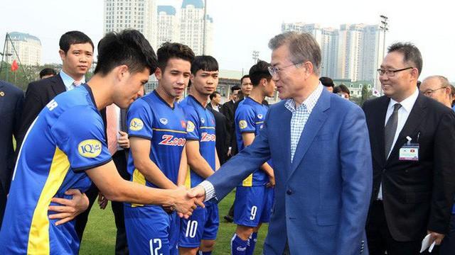 Tổng thống Hàn Quốc gửi lời chúc mừng ĐT Việt Nam sau chức vô địch AFF Cup 2018 - Ảnh 1.